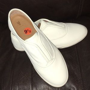 NEW Frye Maya CVO Leather Slip On Sneaker 9.5
